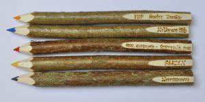 0002a – Kredka drewniana średnia wypalana 80 szt CE