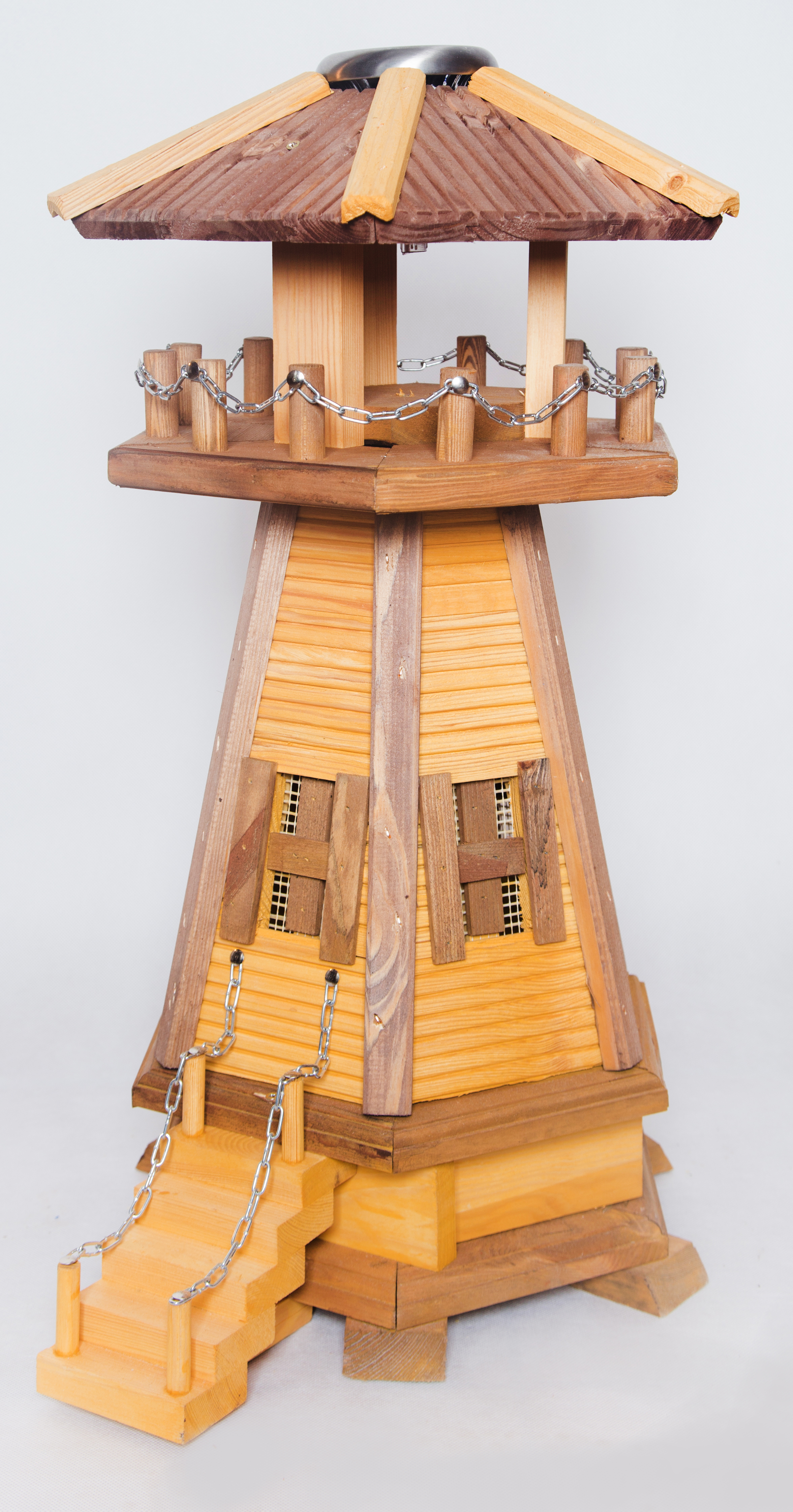 kleine leuchtturm aus holz masuren souvenir. Black Bedroom Furniture Sets. Home Design Ideas